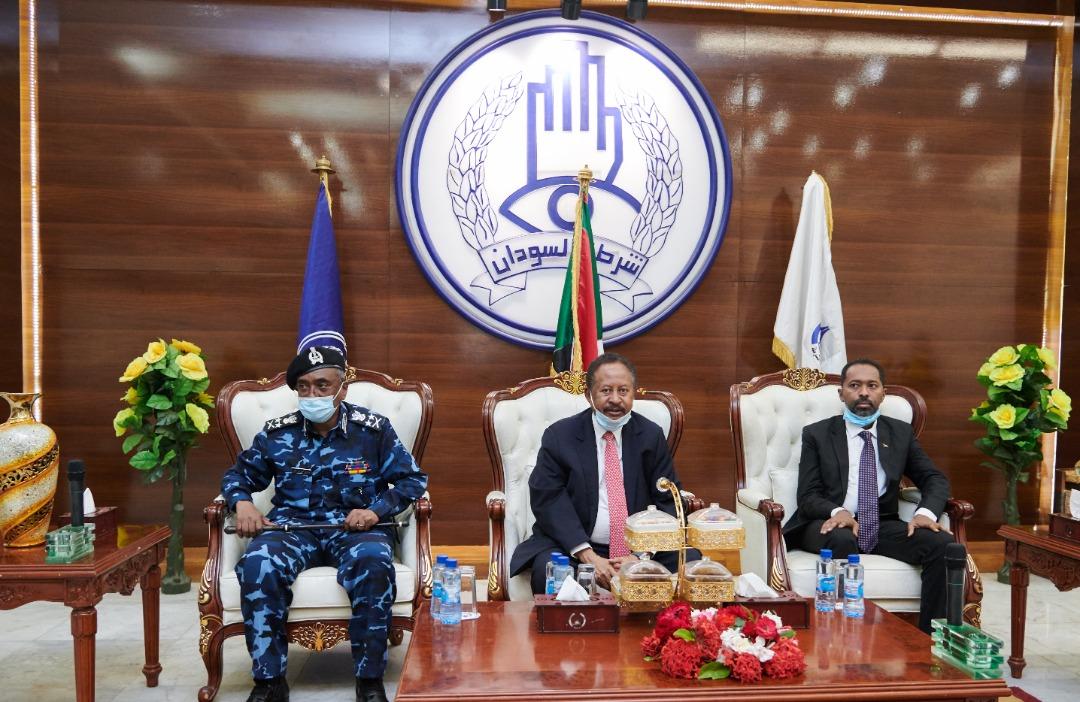 وزير شؤون مجلس الوزراء يؤكد أهمية دور المنظومة الأمنية في المحافظة على أمن واستقرار البلاد